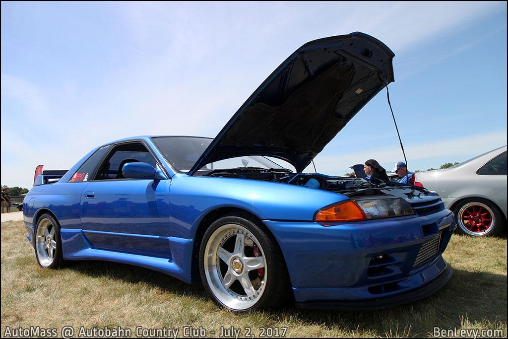 Blue R32 Nissan Skyline GT-R - BenLevy.com